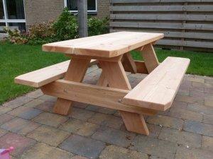 Houten picknicktafel voor kinderen