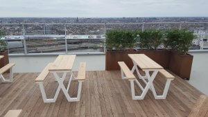 Picknicktafels met witte aluminium frames - A'DAM LOOKOUT, Amsterdam